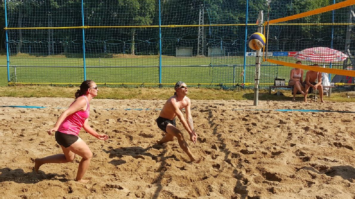 VVSA Beachfun-Turnier 2015    -    Gluthitze , aber Topspiele !