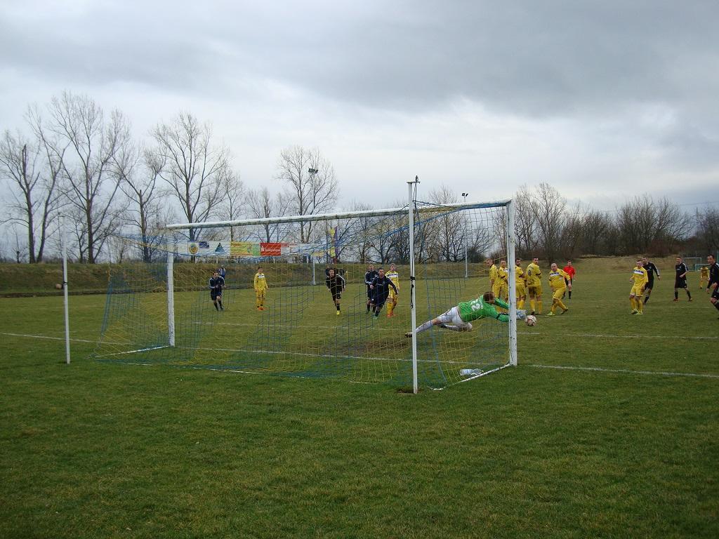"Viertelfinale Saalekreispokal : TSV Niemberg - SV ""Eintracht"" Gröbers   2:1  (1:0)"