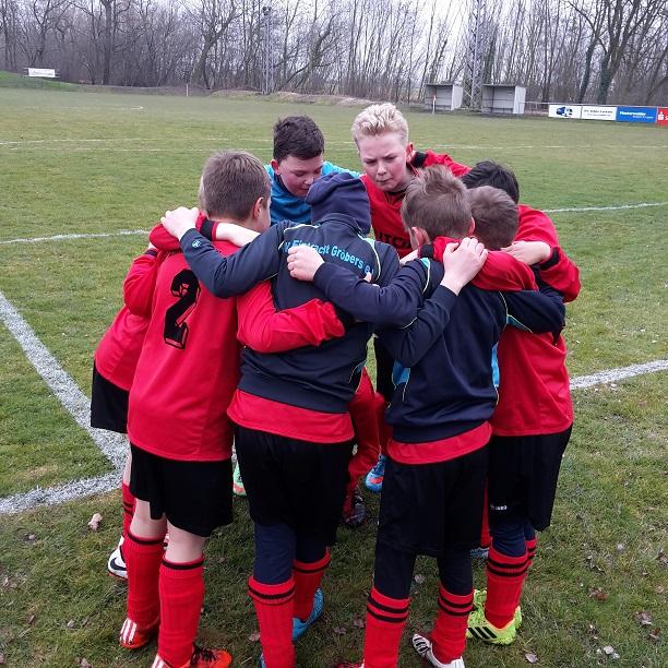 "Pokal E-Jugend : SV ""Eintracht"" Gröbers - SV Merseburg/Meuschau      0:12"