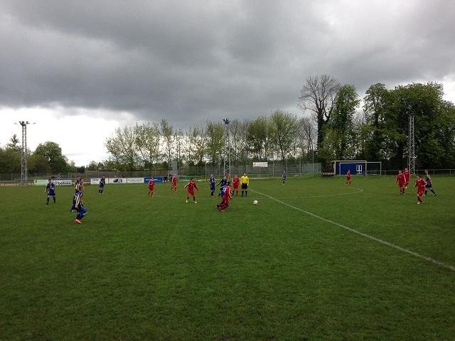 """B-Jugend : SV """"Eintracht"""" Gröbers - SG Einheit Halle               1:0"""