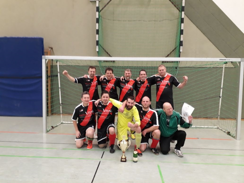 Alte Herren : Turniersieg in Radefeld !!!