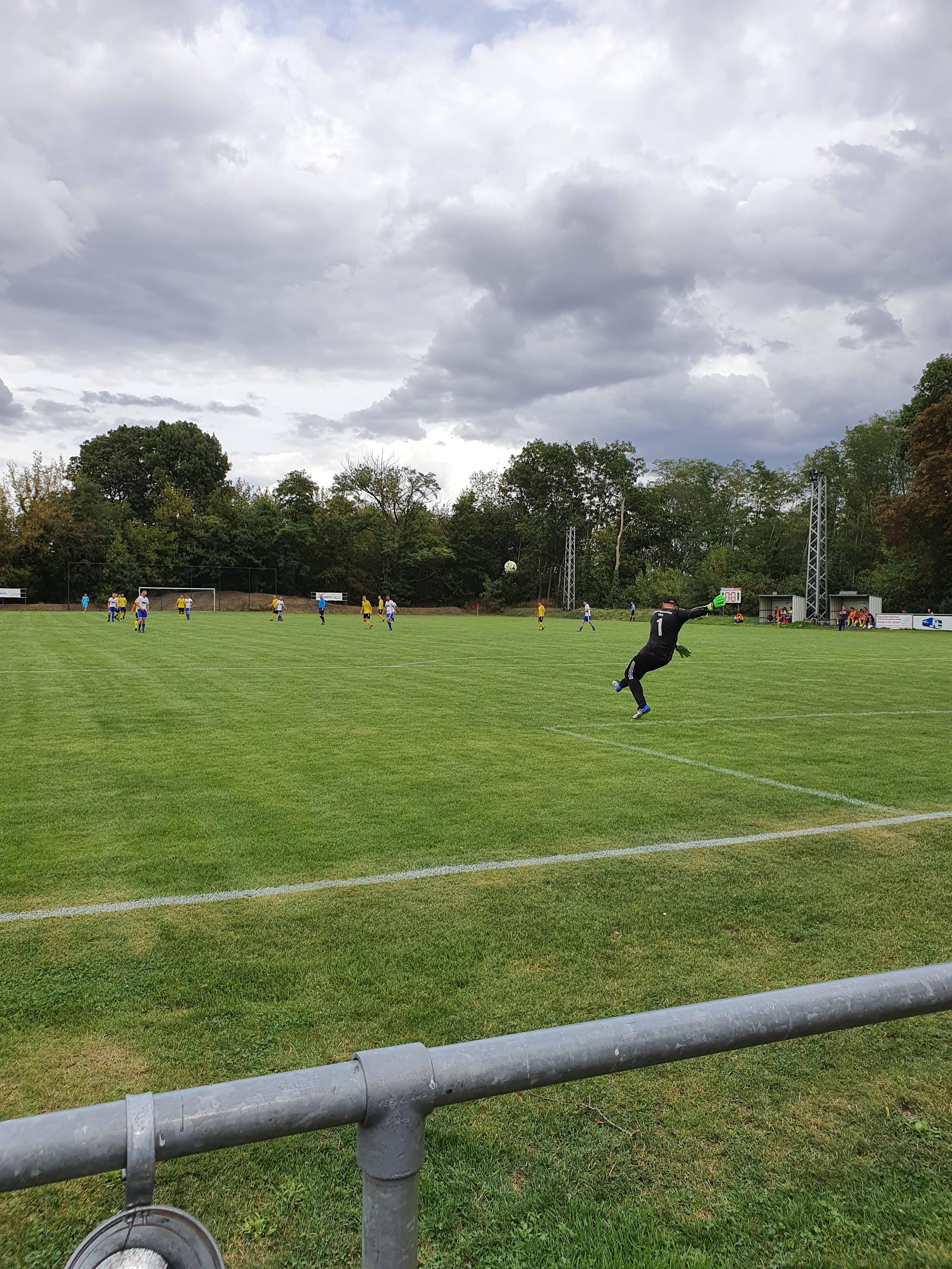 1. Herren Landesklasse : SV Eintracht Gröbers - ESV Herrengosserstedt    0:0