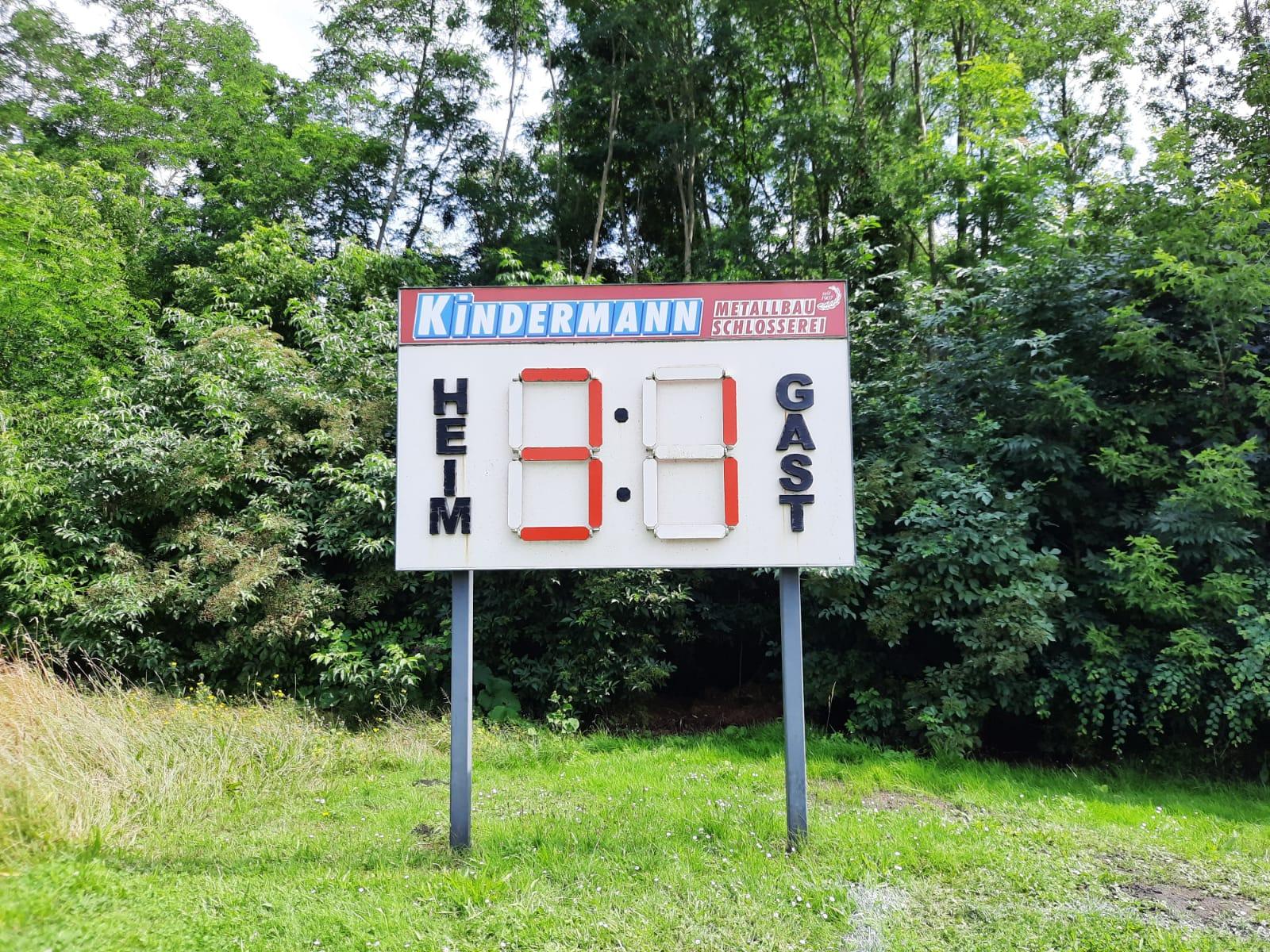 "Fußball 1. Herren Kreisoberliga : SV ""Eintracht"" Gröbers - SV Bl.-W. 1921 Farnstädt II    3:1"